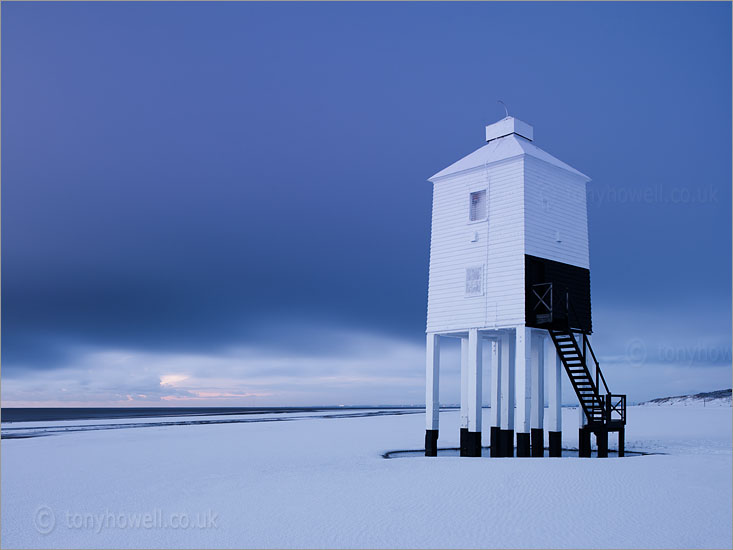 Burnham Lighthouse, Snow
