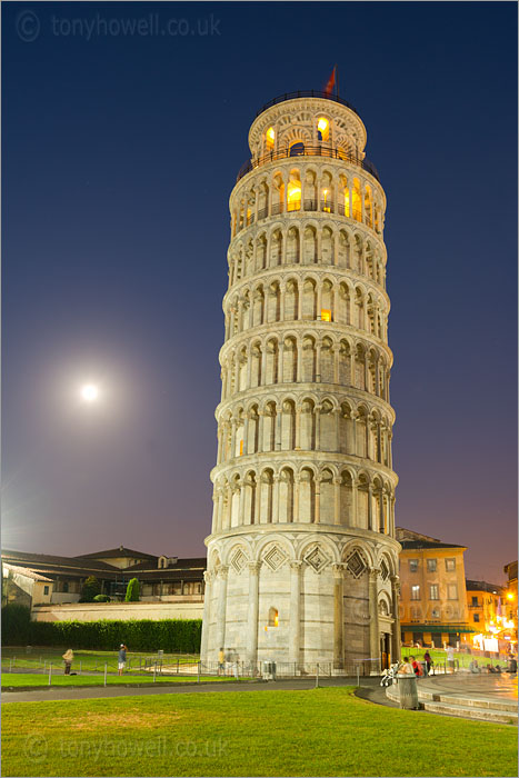 Leaning Tower of Pisa, Full Moon