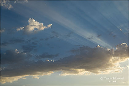 Clouds-Sunrays