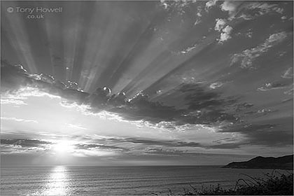 Morte-Point-Clouds-Sunrays