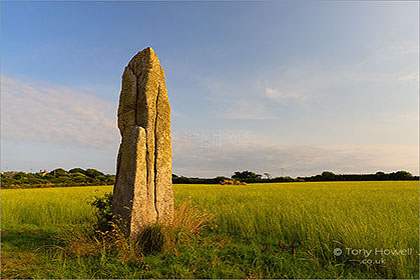 Pipers-Standing-Stone-Cornwall-AR593
