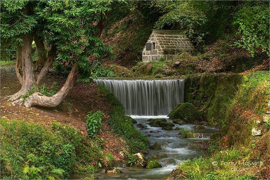 Menacuddle Holy Well, Waterfall, St Austell