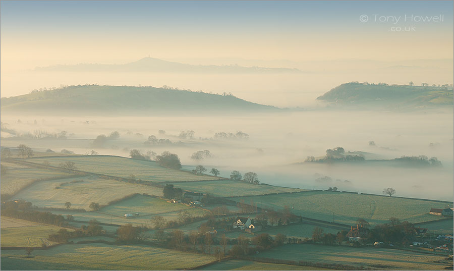 Glastonbury Tor, Mist