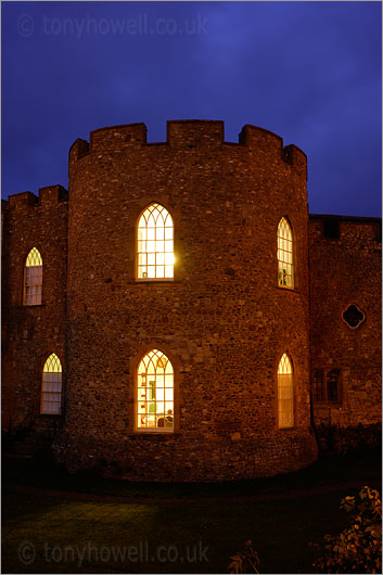 Taunton Castle, Night