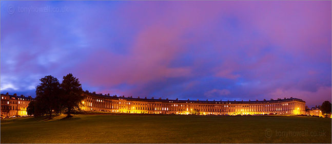 Royal Crescent at night